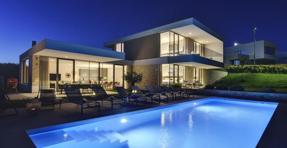 Villa mit Pool und Meerblick in Kroatien kaufen