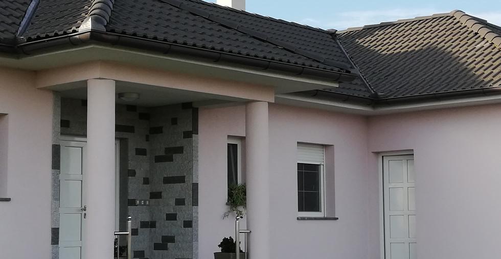 Schönes Anwesen mit modernen Haus und Nebengebäuden in Kroatien kaufen