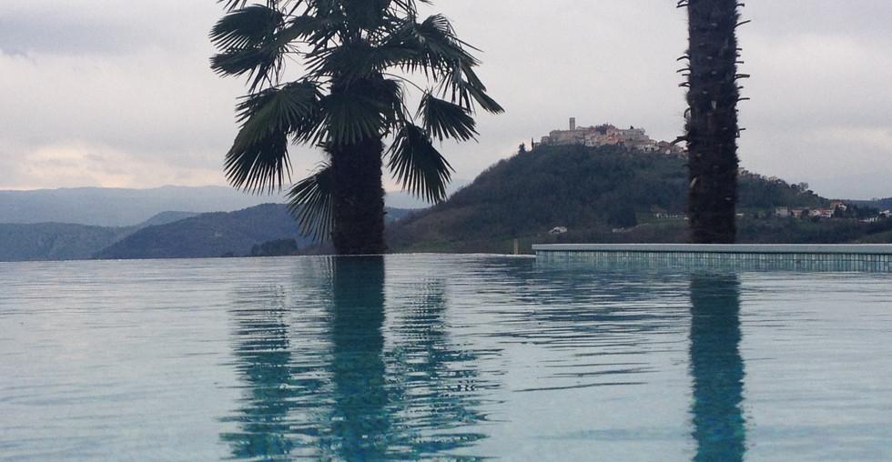 Villa mit Pool und Blick auf Motovun