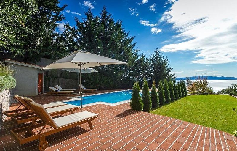 Haus mit Pool und Meerblick bei Opatija zum Kauf