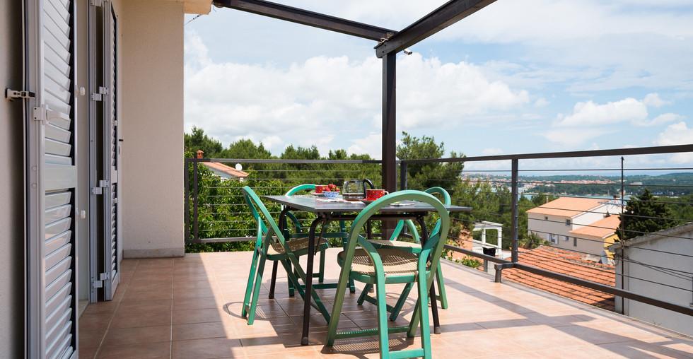 Gepflegtes Haus am Meer mit Pool in Kroatien zu verkaufen