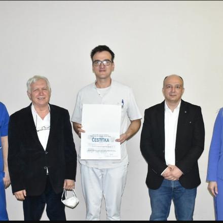 UKC Tuzla: Doktor Samir Jusupović stekao zvanje specijaliste interne medicine