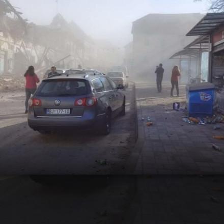 Hrvatska: Snažan zemljotres pogodio Petrinju. Materijalna šete velika !