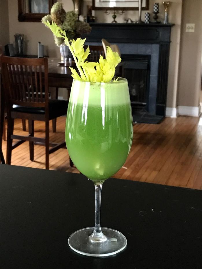 Greener Juice! The Key to Optimal Health.MELISSA HORNUNG