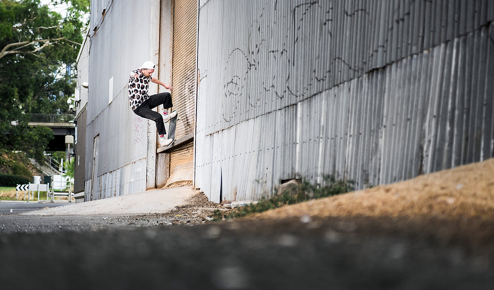 Woody_NoseGrindPopOut_NthMelb_WadeMPhoto