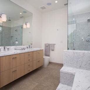 Master Bathroom-11.jpg