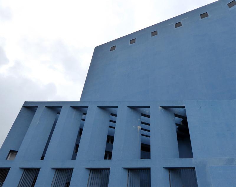 teatro azul almada, contemporary architecture, lisbon architecture
