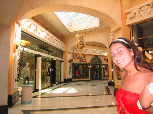 Lojas de luxo no resort.