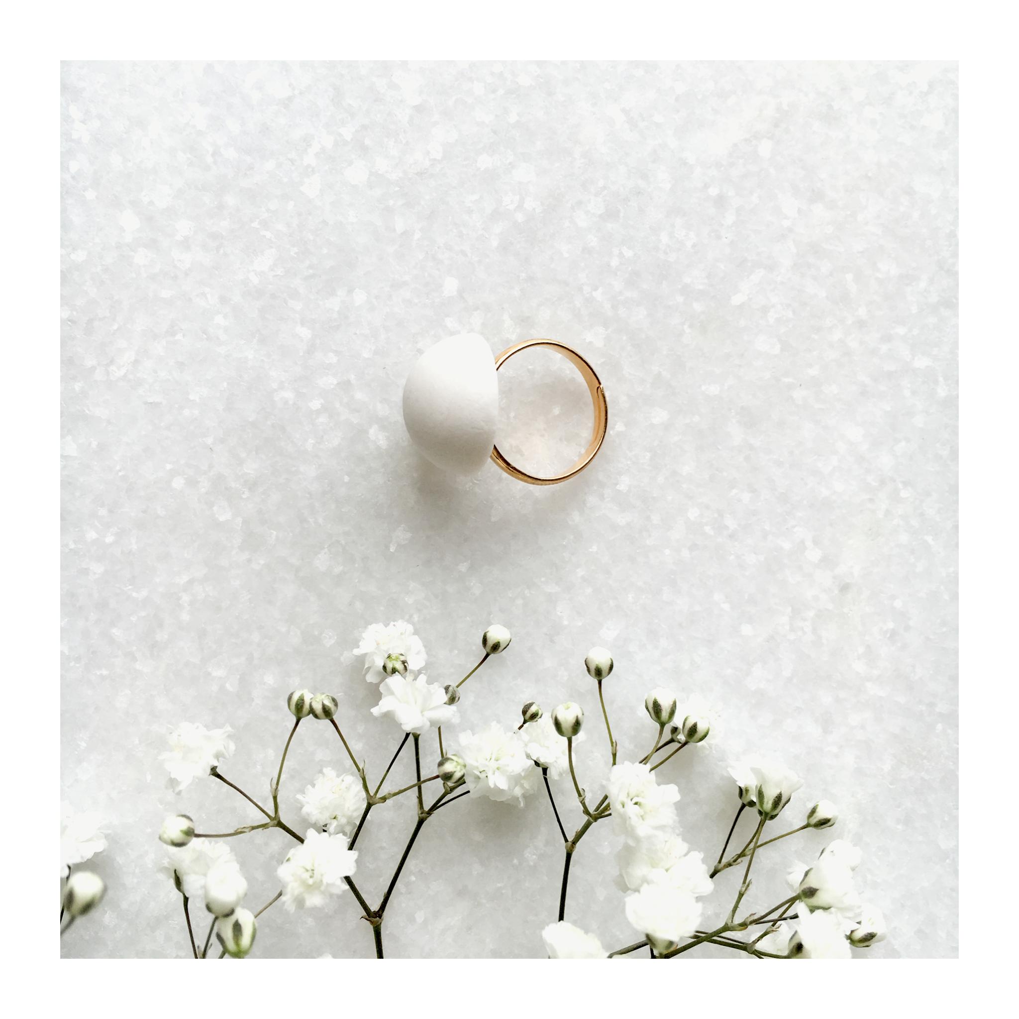 Bijoux en porcelaine et en or