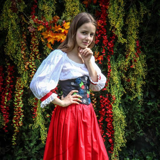 Costume d'inspiration alsacienne