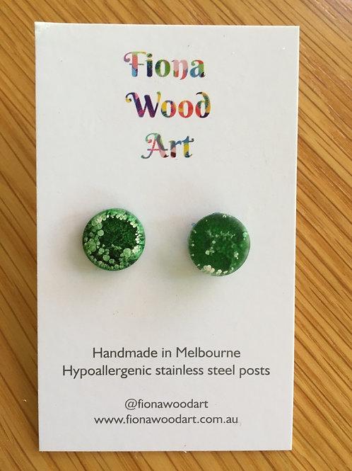 Green resin stud earrings (matte)