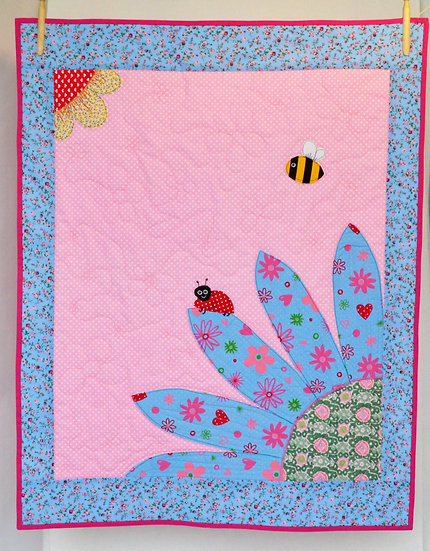 Storytime children's bed quilt - The bug & the bee