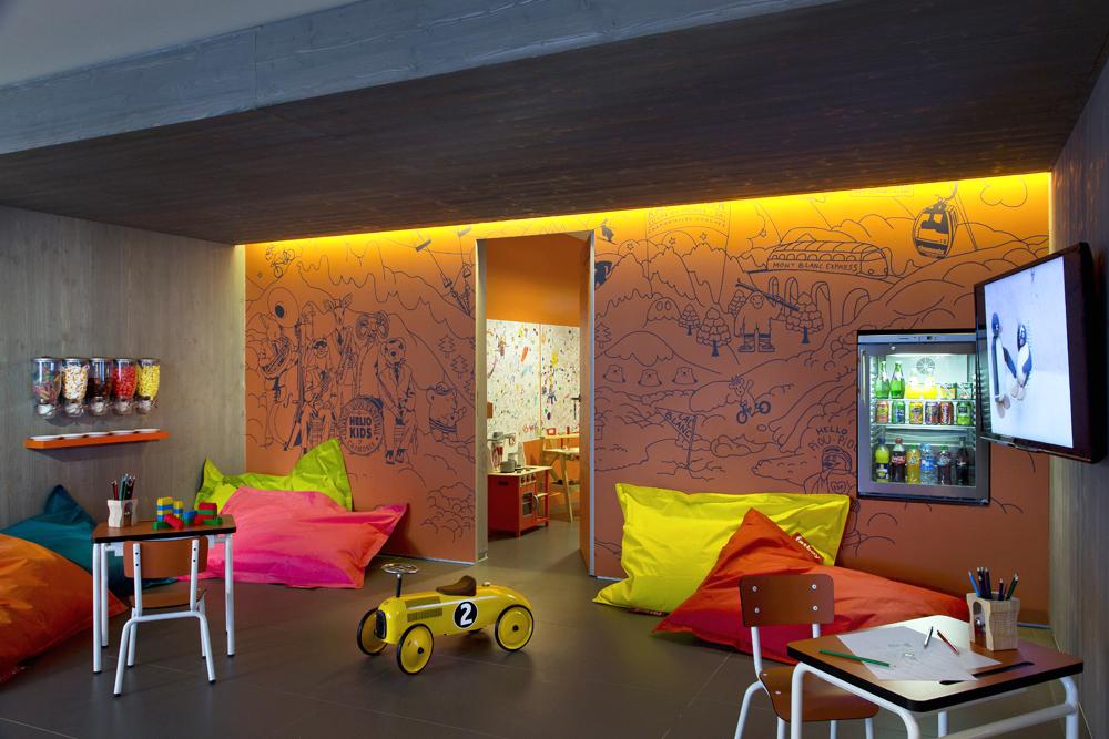 HELIOPIC HOTEL / Lobby enfants