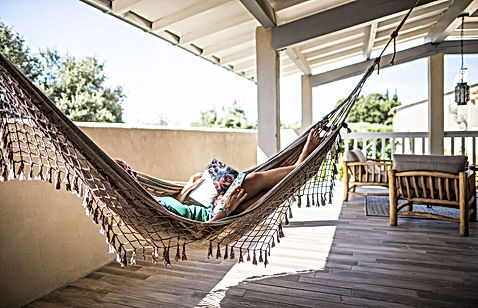 hamac, terrasse, gite pour 2, les petits gardons, location de maison de vacances, gite, occitanie, gard