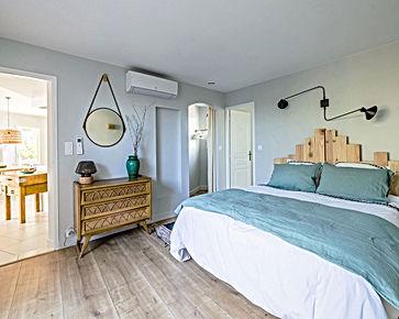 chambre, rotin, blanc, celadon, vert,déco vintage, épuré,chic, location de vacances, gite, gite 2 chambres, les petits gardons, provence, gard, occitanie