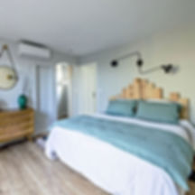 family gite, blue, green bedroom, linen sheets,