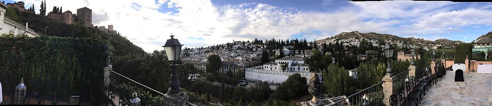 Panorámica de la Alhambra de Granada y su casco antiguo desde la terraza en la que actuamos.
