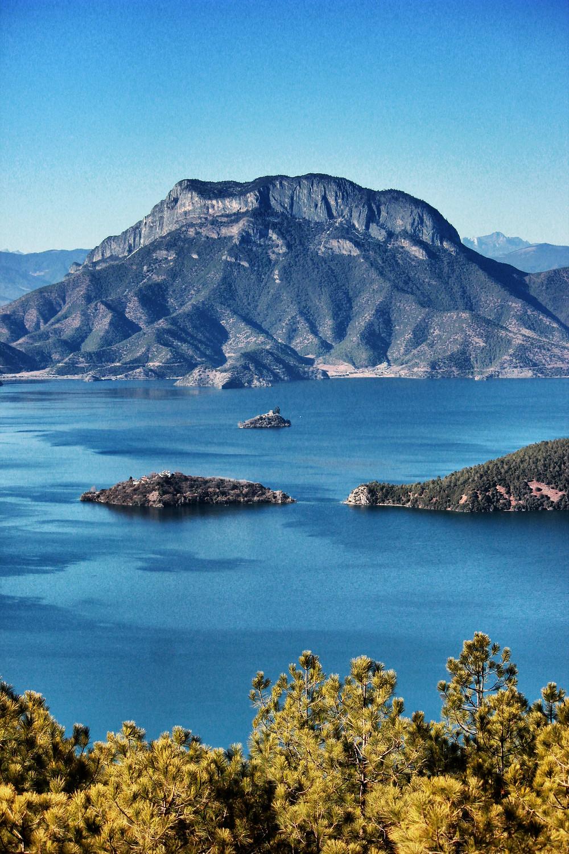 Lugou lake1.jpg