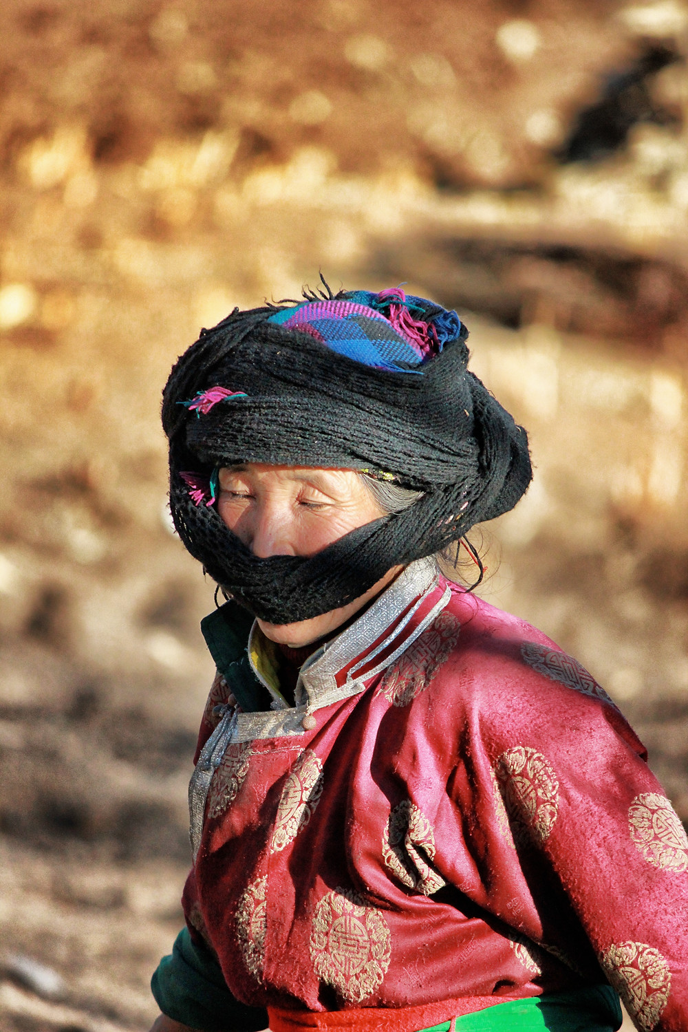 Daily woman worker Mosuo.jpg