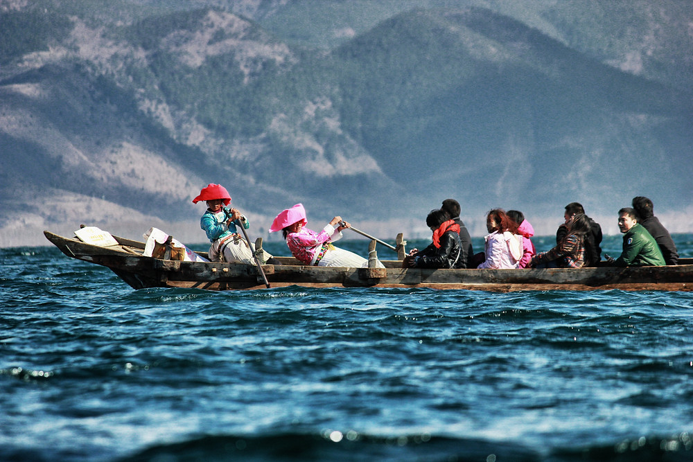 Boat women.jpg