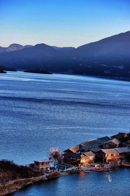 The penisula Lugou lake.jpg
