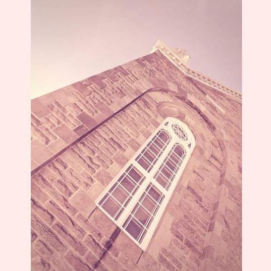 Parvis l'Église.jpg