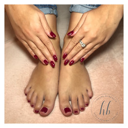 Ongles en gel et vernis pieds