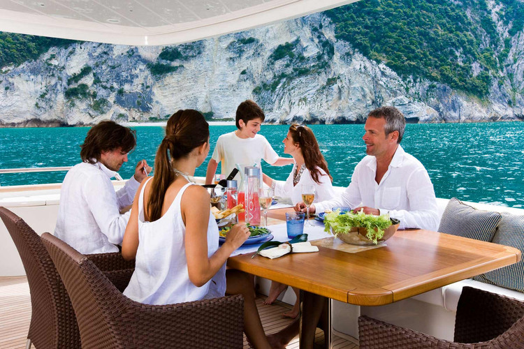 Family-friendly-yachts.jpg