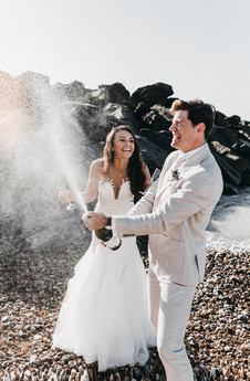 Must have wedding photo ideas to have with your groom