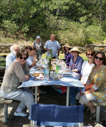 Members of the AGEncy Project share a meal together