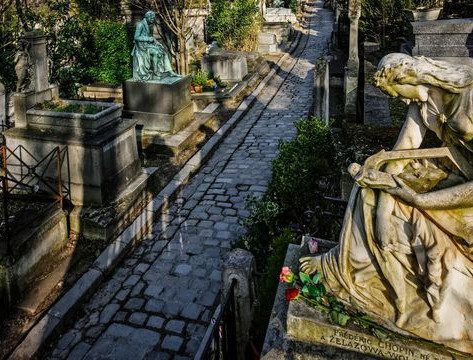 pere-lachaise-cemetery-in-paris-france_5