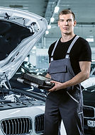 automobilmechatroniker_520.jpg