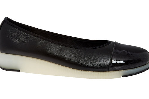HUSH PUPPIES Leather Pumpy Ballerinas