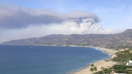 skynews-malibu-wildfires-beach_4486783.j