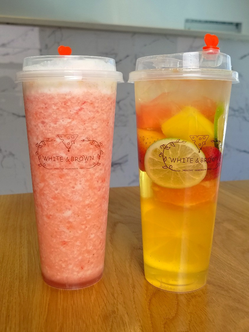 Strawberry Smoothie & cold brewed fruit tea