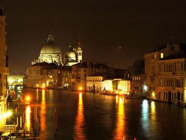Venezia di notte: la magia della Laguna ...