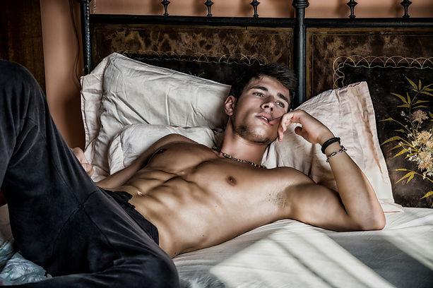 shirtless-male-model.jpg