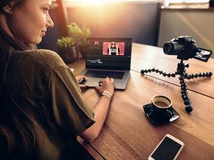 Vlogging_edited.jpg