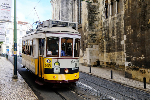 Tram 28 on Lisbon Street
