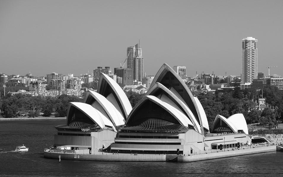B&W Sydney Opera House