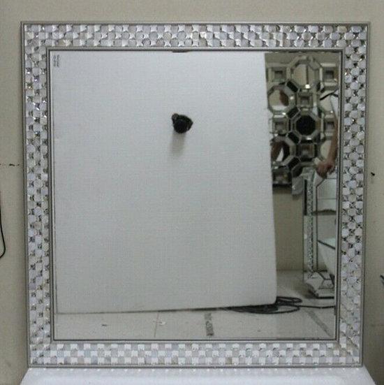 Hängespiegel 100 x 100cm mit Schachmuster, Fliesenoptik