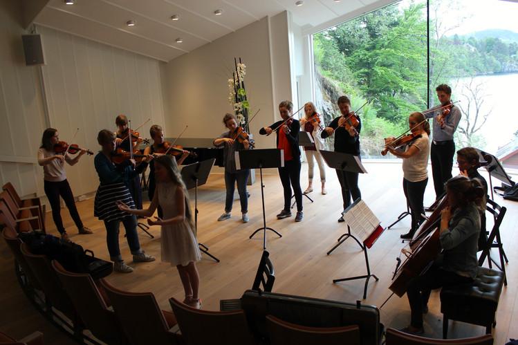 Sangoppdrag med Ensemble Allegria. Her fra prøven.