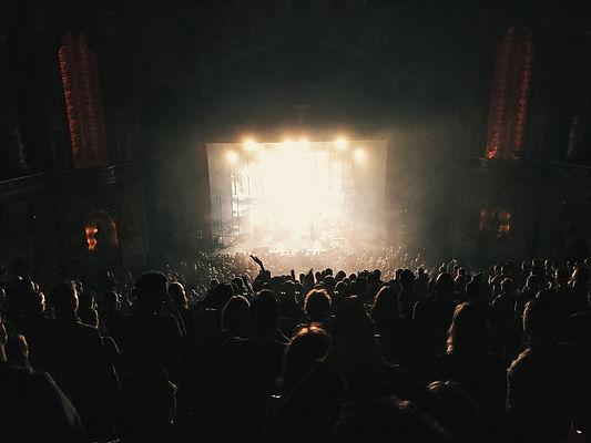 audience-1868137_1920.jpg