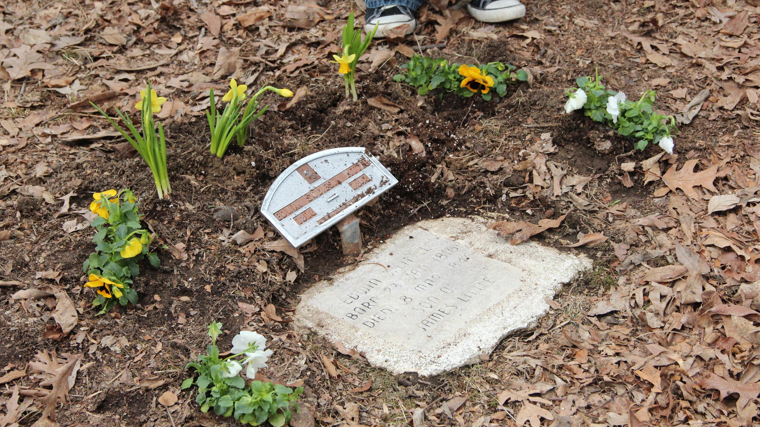 Little headstone