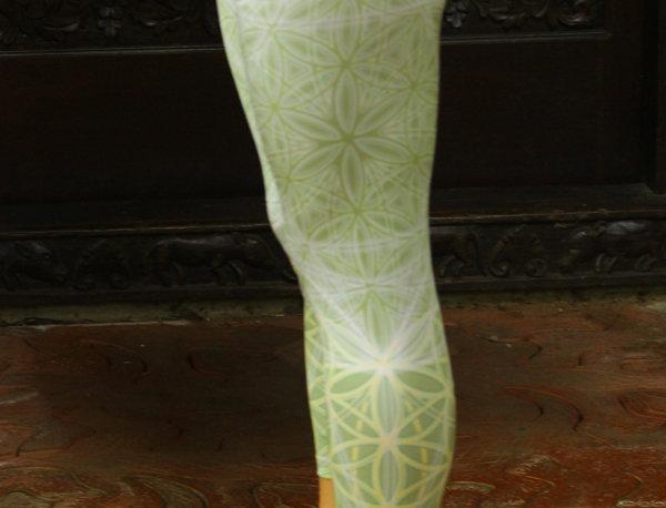 On SALE! Size S Sage Capri Yoga leggings