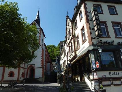 Ansicht Hotel am Markt mit Stifts-Kirche.jpg