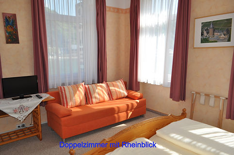 Hotel-Doppelzimmer mit Rheinblick