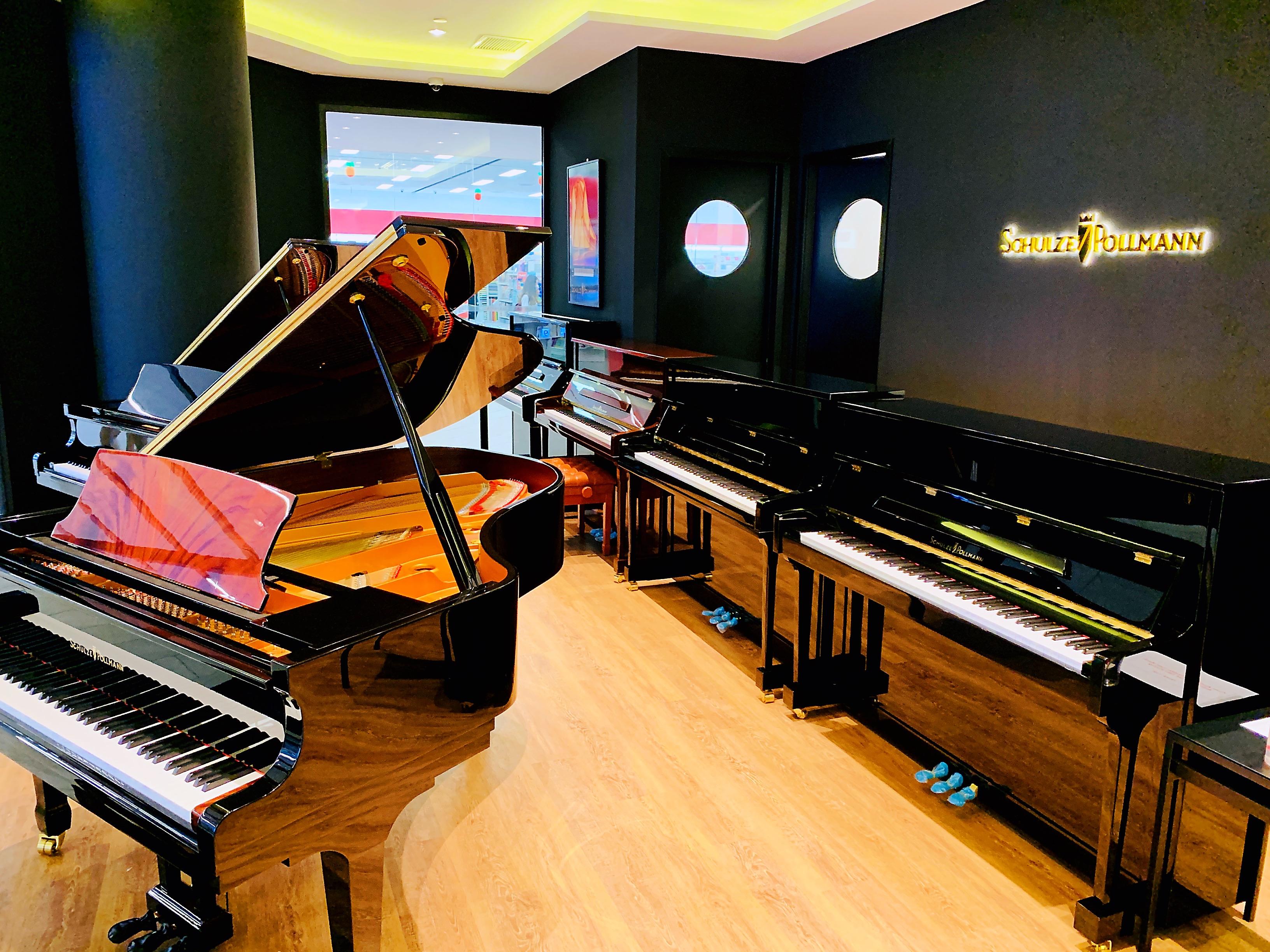 Italian Pianos: Schulze Pollmann