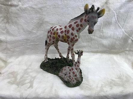 Giraffe with Baby Giraffe Figurine