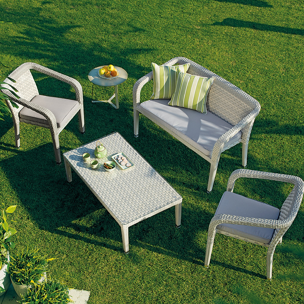 Manutenzione mobili da giardino in fibra sintetica